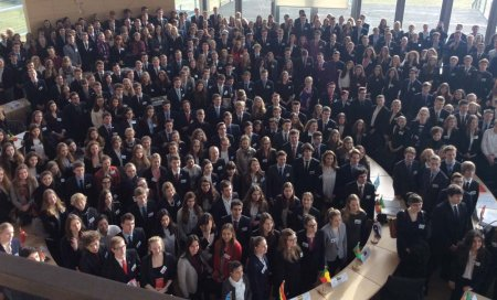 "Planspiel ""Model United Nations"" in Kiel:"